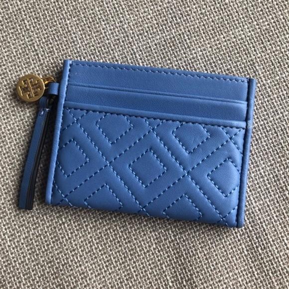 Tory Burch Handbags - Tory Burch quilted slim card case
